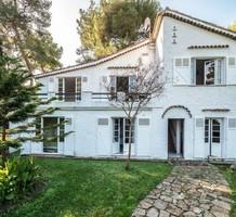 Дом с видом на море и хорошим потенциалом на Кап-Ферра, продажа. №37696. ЭстейтСервис.