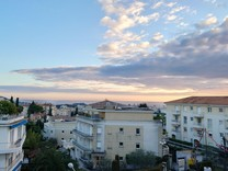 Новая трёхкомнатная квартира с видом на море в Ницце