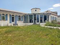 Красивый дом рядом с морем в Манделье-Ля-Напуль