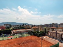 Двухкомнатная квартира напротив Lawn Tennis Club