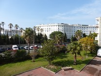 Квартира под обновление в районе Boulevard Alexandre III