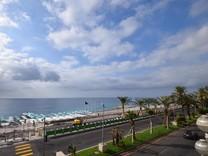 Большая квартира на Promenade des Anglais