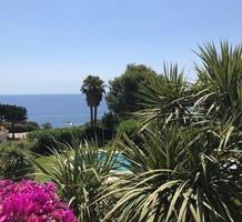 Апартаменты с видом на море и бассейн в Sant Feliu de Guixols, продажа. №38201. ЭстейтСервис.