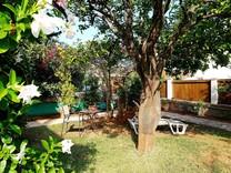 Двухкомнатная квартира с садом на мысе Cap-Ferrat