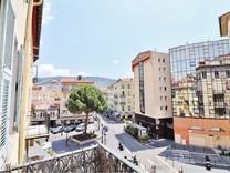 Апартаменты в районе Порта по Rue Bonaparte
