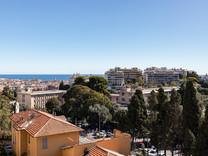Квартира с видом на море и Parc d'Estienne d'Orves в Ницце