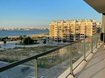 Современная квартира с видом на реку в Seixal
