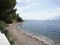 Большая вилла на берегу моря в Beaulieu-Eze