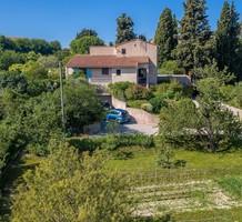 Уединённая вилла с потенциалом в Ницце, Route de Bellet, продажа. №39692. ЭстейтСервис.