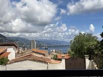 Квартира с тремя террасами и видом на море в Босолей