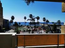 Двухкомнатная квартира с видом на море в Ницце, California