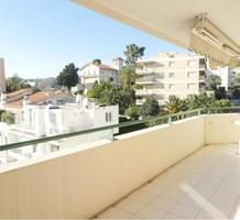 Солнечная квартира с большой террасой в Ницце, продажа. №36982. ЭстейтСервис.