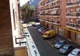 Современный центр, район Carrer d'Eivissa.