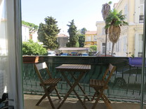 Двухкомнатная квартира с паркингом в Ментоне