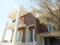 Современный дом с красивым видом в Шушане