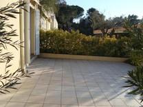 Квартира с частным садом в Плайа-де-Аро
