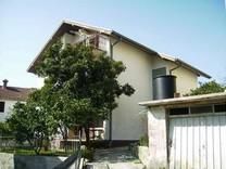 Дом недалеко от моря и центра Тивата
