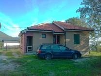 Современный загородный дом в Сутоморе