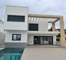 Новый дом с пятью спальнями в Ла Сьерресуэла, Mijas, продажа. №41634. ЭстейтСервис.