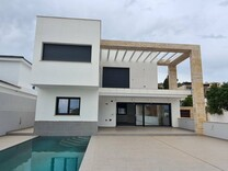 Новый дом с пятью спальнями в Ла Сьерресуэла, Mijas