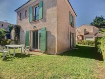 Элегантный домик в районе Chemin Basses Bréguières