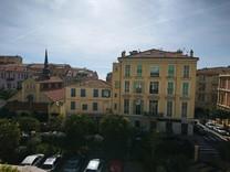 Двухкомнатная квартира в самом центре Ментона