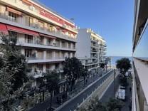 Удобная квартира в ста метрах от моря в Ницце