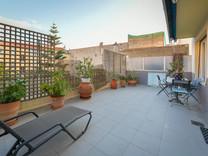 Квартира с огромной террасой в центре Болье-сюр-Мер