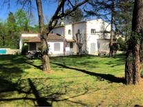 Дом в престижном районе Domaine de la Peyriere