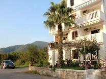 Квартира недалеко от пляжа в Тивате