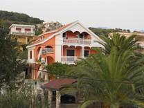 Большой дом с видом на море в поселке Шушань
