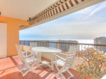 Двухкомнатная квартира с видом на море в Босолей