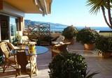 Квартира с большой террасой в Roquebrune Cap Martin