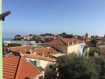Квартира с видом на море в центре деревни Кап-Ферра