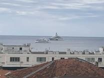 Квартира с видом в 200-х метрах от моря в Жуан-Ле-Пен