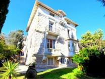 Буржуазный особняк в центре Beaulieu-sur-Mer