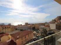 Пентхаус с видом на море в районе Монегетти