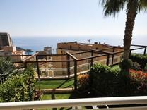 Престижная квартира с видом над Монако