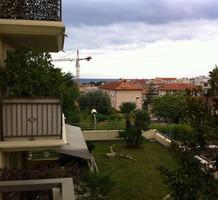 Трёхкомнатная квартира в ста метрах от моря в Болье, продажа. №34304. ЭстейтСервис.