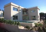 Новая вилла с бассейном в Пладжа-де-Аро возле моря