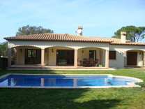 Новая вилла с бассейном в Santa Cristina d'Aro