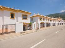 Дом с тремя спальнями в Алаурин-эль-Гранде