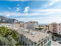 Квартира с панорамным видом в центре Beaulieu sur mer
