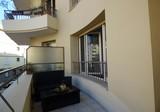 Квартира с большой террасой в центре Антиб