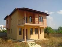 Дом в 4 км от моря