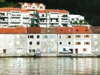 Трехкомнатная квартира с видом на море в Муо