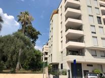 Современная квартира в окрестностях Ментона