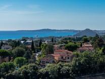 Атмосферный дом с видом на море в Кань-сюр-Мер