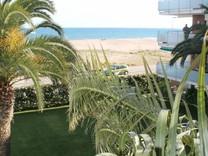 Апартаменты на первой линии моря в Castelldefels