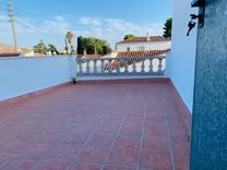 Стильный таунхаус с тремя спальнями в Vilafortuny